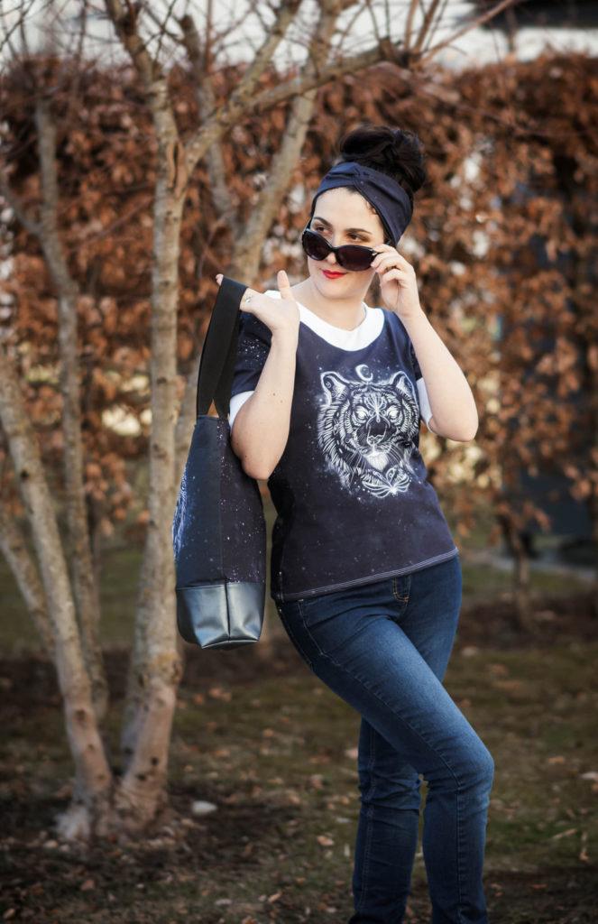 LaMarina Shirt von pedilu   Designbeispiel von Trudi näht   schwarz, Retro-Ärmel, Tigerpanel
