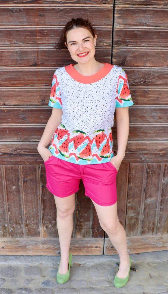 LaMarina Shirt von pedilu   Designbeispiel von juhu naeht   Shirt mit Ausschnittblende und Melonenstoff