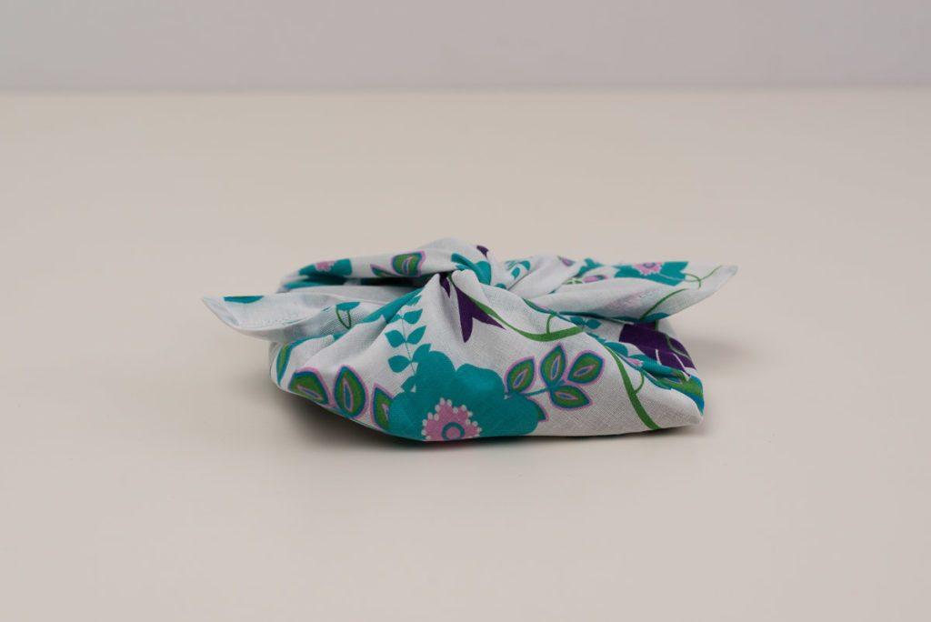 Furoshiki, genähte Verpackung für Geschenke